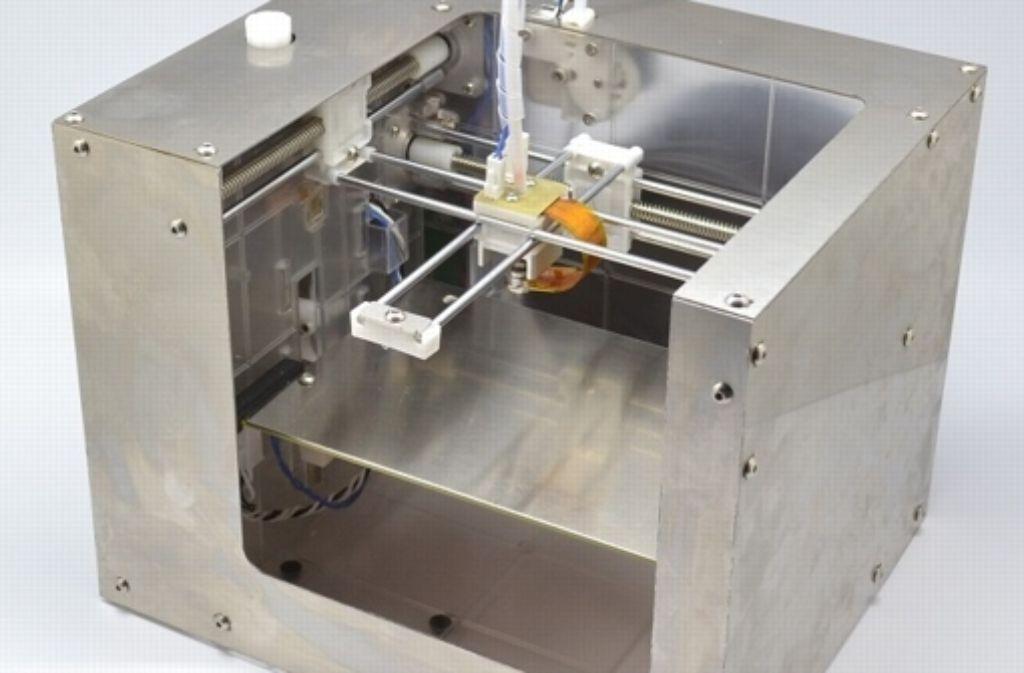 Ein 3-D-Drucker der Firma Makibox: Forscher haben nun untersucht, wie viel Feinstaub entsteht, wenn man 3-D-Drucker zu Hause oder im Büro laufen lässt. Foto: Makibox