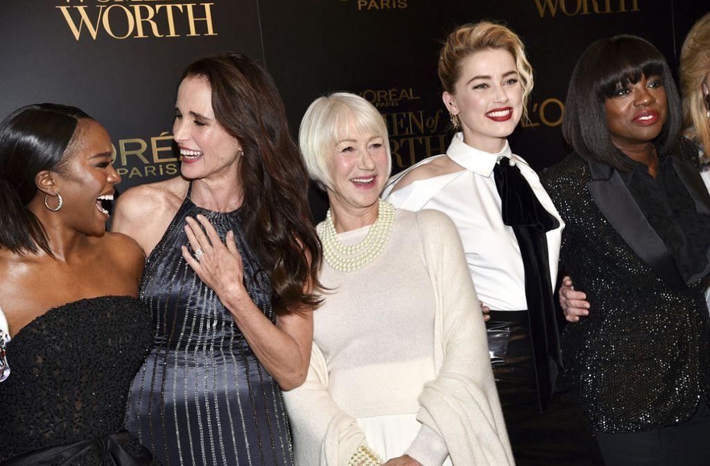 Die L'Oréal Markenbotschafterinnen auf dem goldenen Teppich (von links): Aja Naomi King, Andie MacDowell, Helen Mirren, Amber Heard und Viola Davis. Foto: AP/Evan Agostini