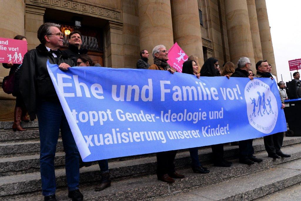 Die Gegner der grün-roten Bildungsplans demonstrieren am Sonntagnachmittag in Stuttgart. Gegendemos sind ebenfalls angemeldet. (Archivbild) Foto: www.7aktuell.de  
