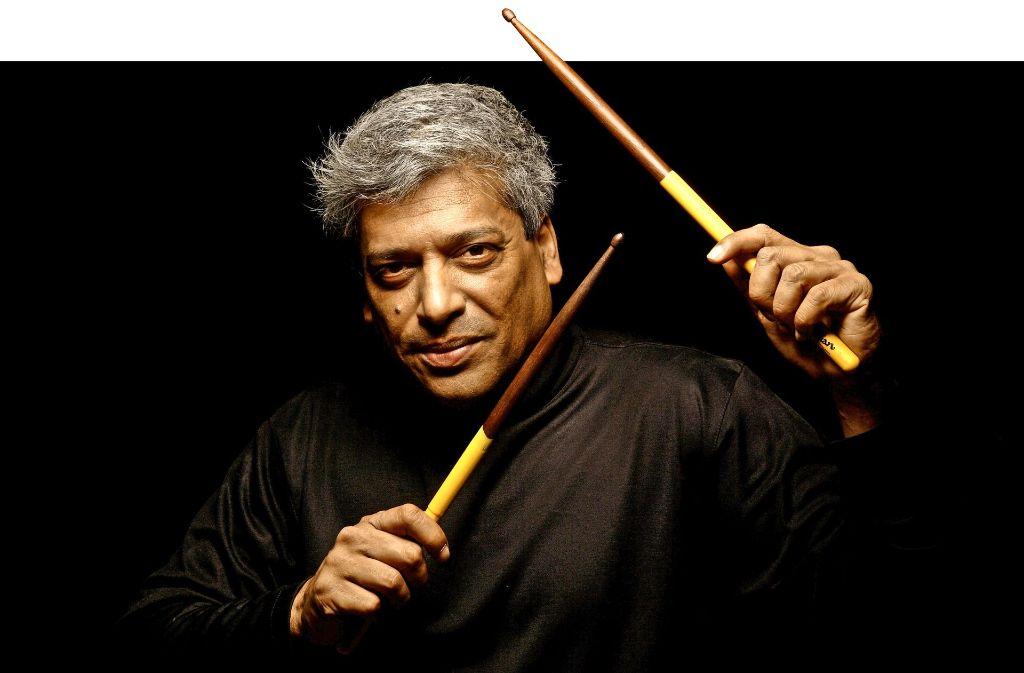 Der aus Indien stammenden Trilok Gurtu ist  einer der gefragtesten Percussionisten und Schlagzeuger des Modern Jazz. Auch er wird in Esslingen spielen. Foto: Jazzfestival Esslingen