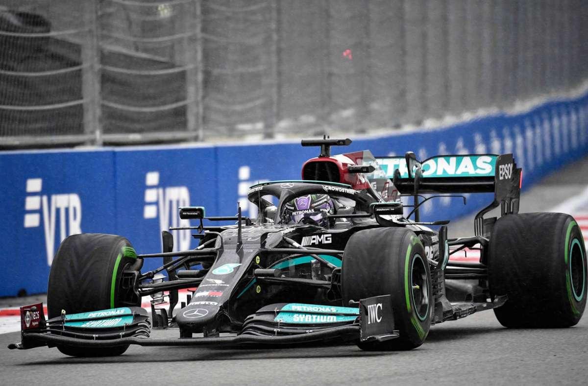 Lewis Hamilton setzte sich in Sotschi gegen die Konkurrenz durch. Foto: AFP/ALEXANDER NEMENOV