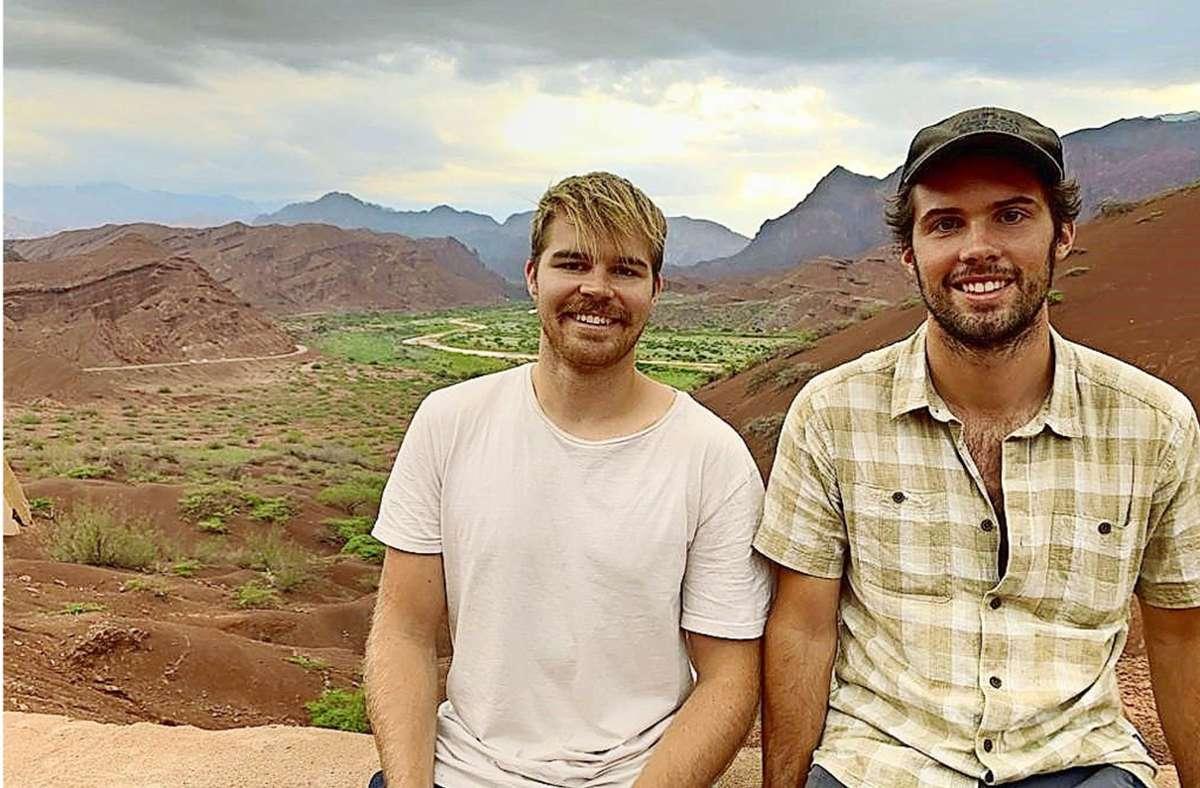 Lars Fischer (links) und Kevin Wimmer sind auf der  Panamericana, der längsten Straße der Welt, gefahren – mussten aber nach acht Monaten vorzeitig wegen Corona ihre Reise aufgeben. Foto: Wimmer/Fischer