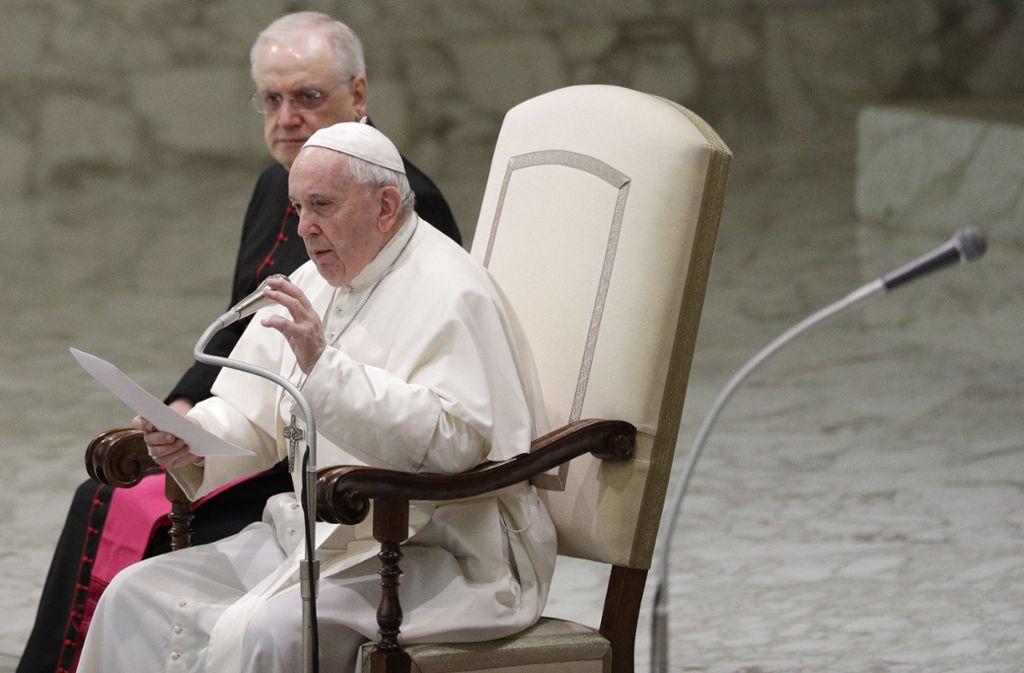 Papst Franziskus stellt keine Öffnung der katholischen Kirche gegenüber verheirateten Priestern in Aussicht. Foto: dpa/Gregorio Borgia