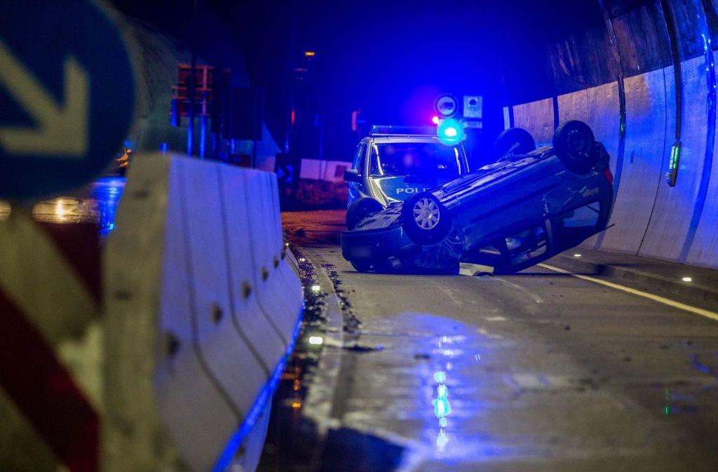 Unfall im Heslacher Tunnel in Stuttgart-Süd. Foto: 7aktuell.de/Simon Adomat