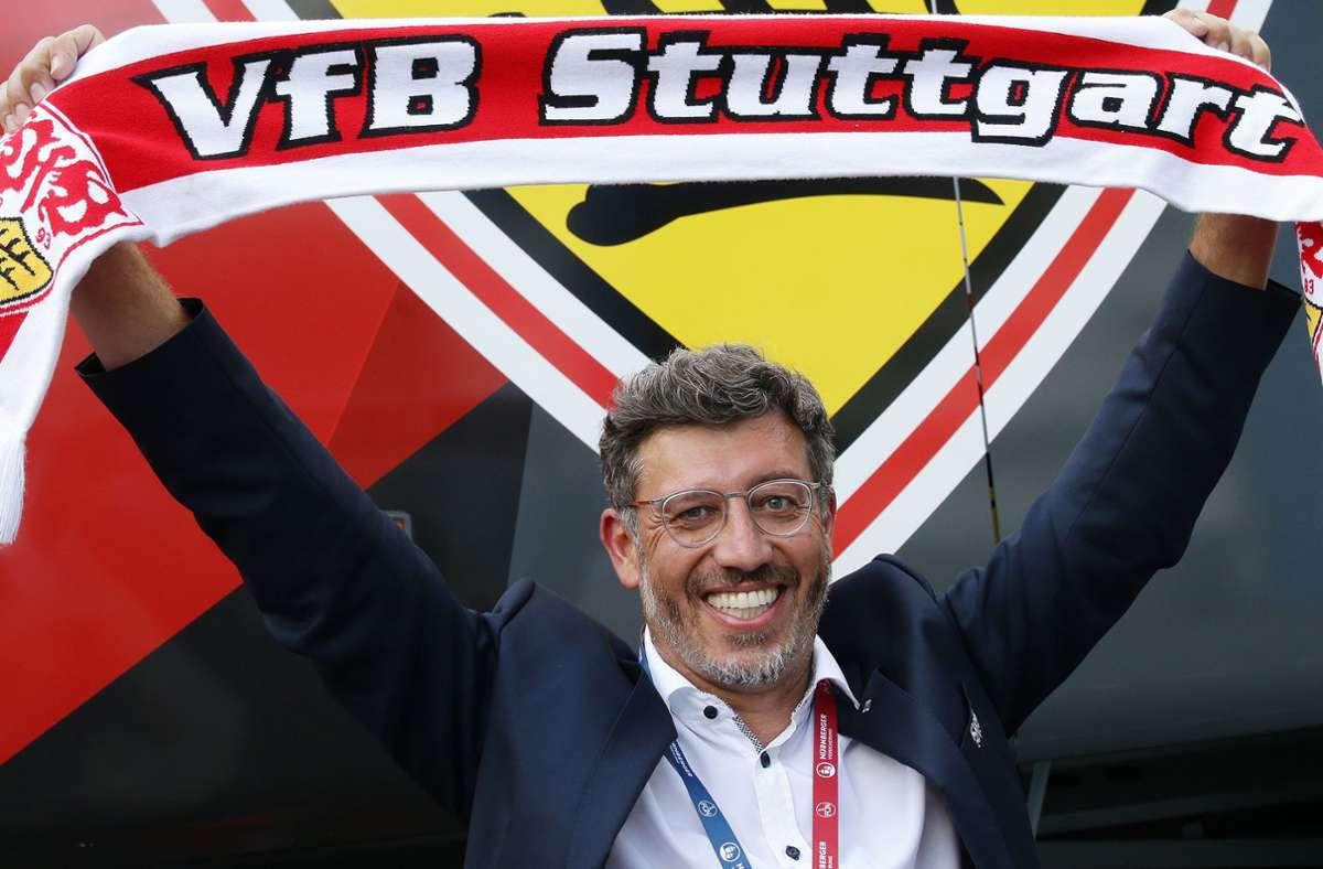 Präsident Claus Vogt freut sich über den fast sicheren Aufstieg – bringt er dem VfB Stuttgart auch einen neuen Investor? Foto: Baumann
