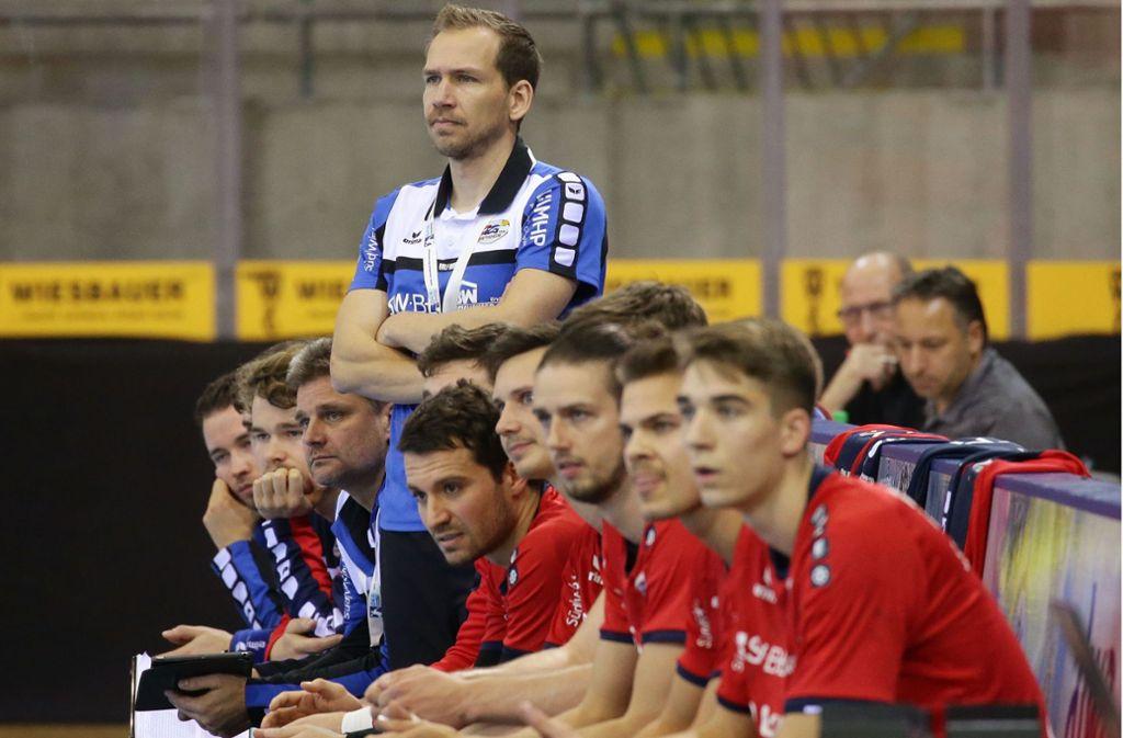 Ralf Bader und seine früheren Bietigheimer Spieler: Redete der Trainer zu wenig mit der Mannschaft? Foto: Baumann