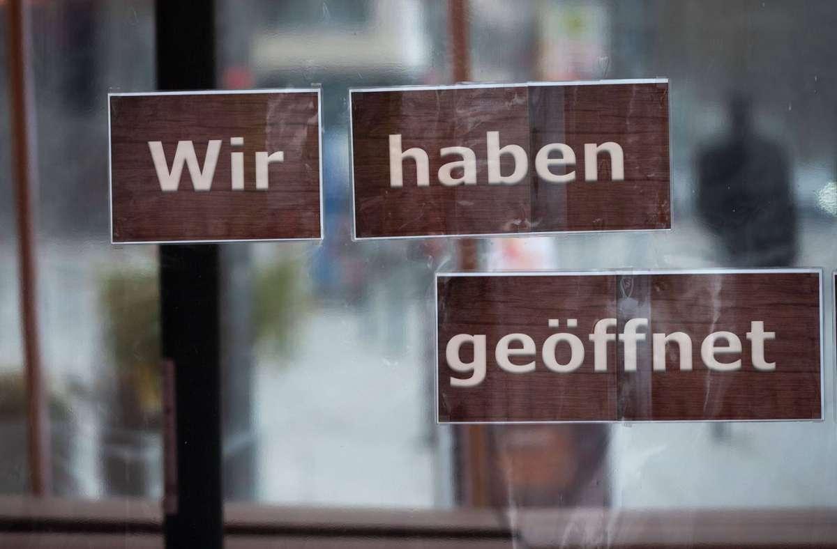 Wenn die Zahlen stimmen, dürfen viele Branchen wieder öffnen. (Symbolbild) Foto: imago images/Lichtgut/Leif Piechowski