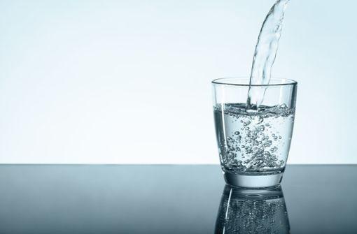 Ist Leitungswasser besser als viele stille Mineralwässer?