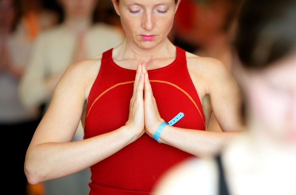 Yoga oder Qigong können bei Krebskranken gegen  Erschöpfungszustände – das sogenannte Fatigue-Syndrom –   entlastend wirken Foto: dpa