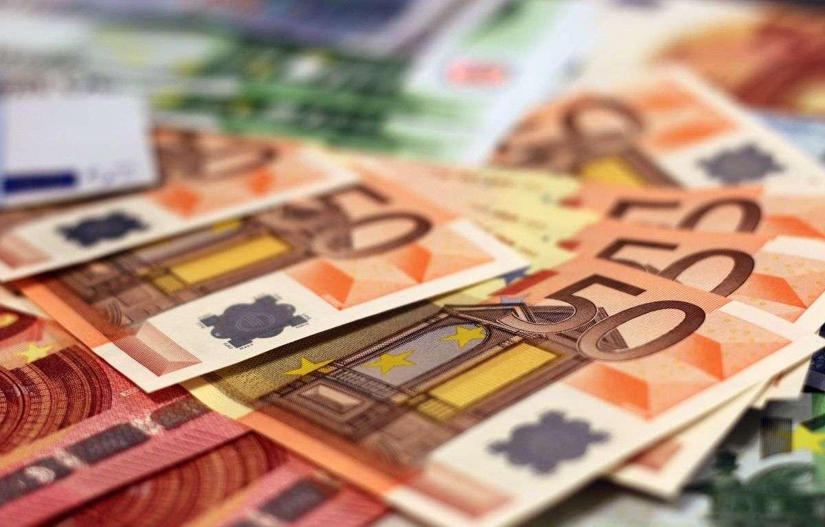 Bargeld über alles: Deutschland liebt Cash! Unser Autor nicht.  Foto: Pexels/Pixabay