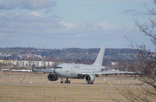 China-Rückkehrer am  Stuttgarter Flughafen gelandet