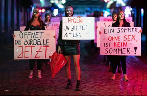 Sexarbeiterinnen fordern  Wiederzulassung der Prostitution