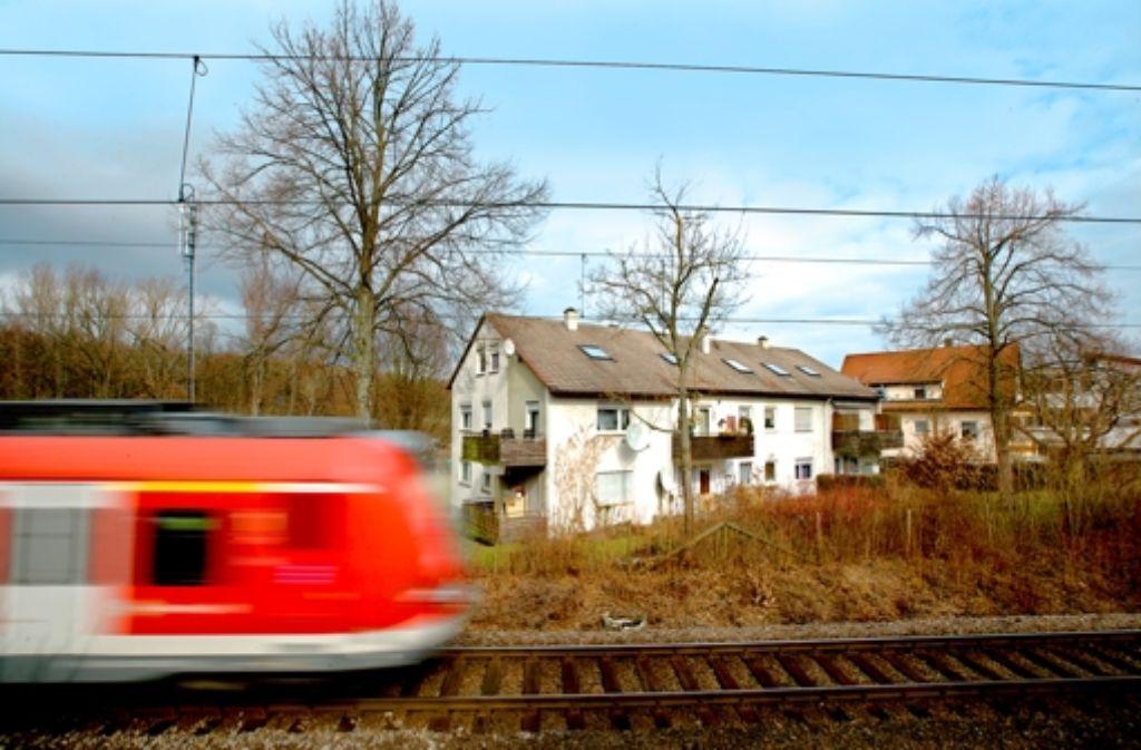 Die Nutzung der S-Bahn-Gleise durch Leinfelden-Echterdingen für den Fernverkehr ist nach wie vor umstritten. Foto: Achim Zweygarth