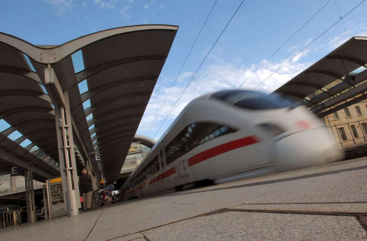Die Bahn kriegt nun doch weniger Geld. Foto: dpa/Fredrik von Erichsen