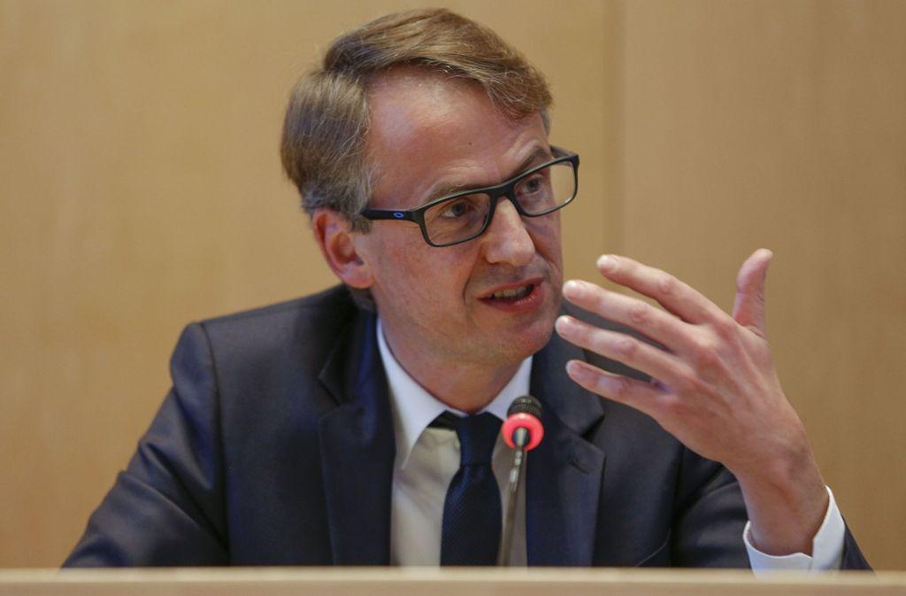 Das erste Mal in seiner Amtszeit in einer Sitzung eines Bezirksbeirats: Michael Föll Foto: Lichtgut/Leif Piechowski