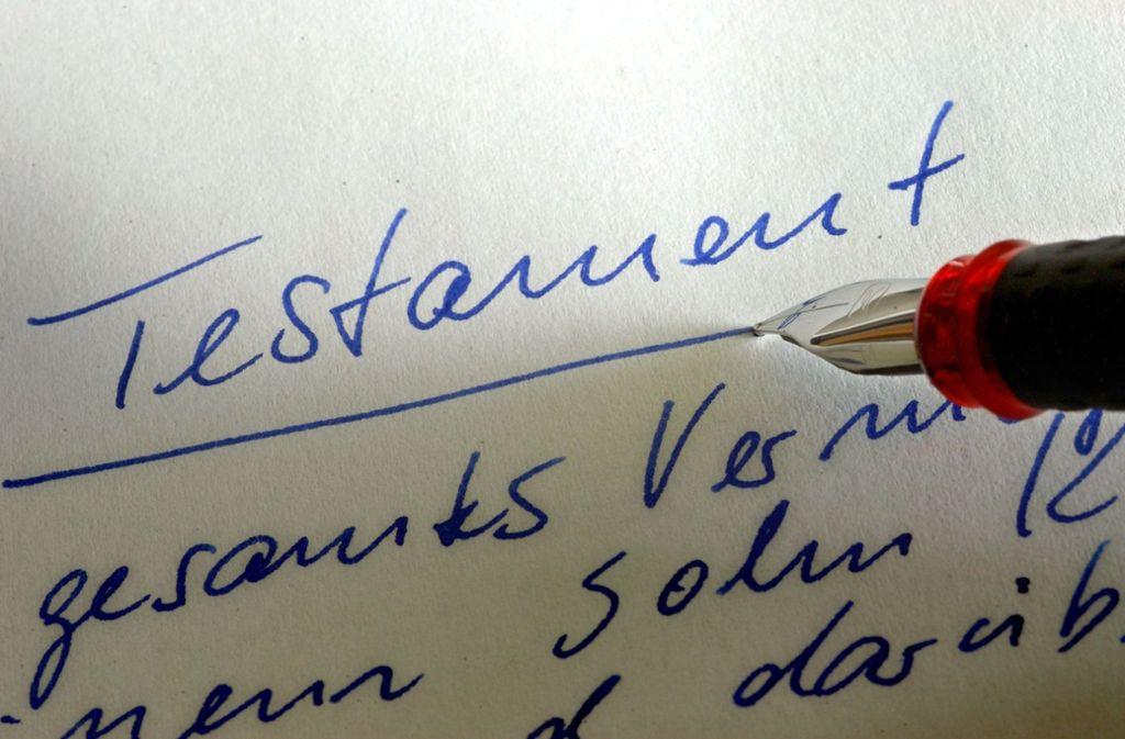 Ein mitunter konfliktträchtiges Dokument: der letzte Wille. Foto: picture-alliance/ dpa