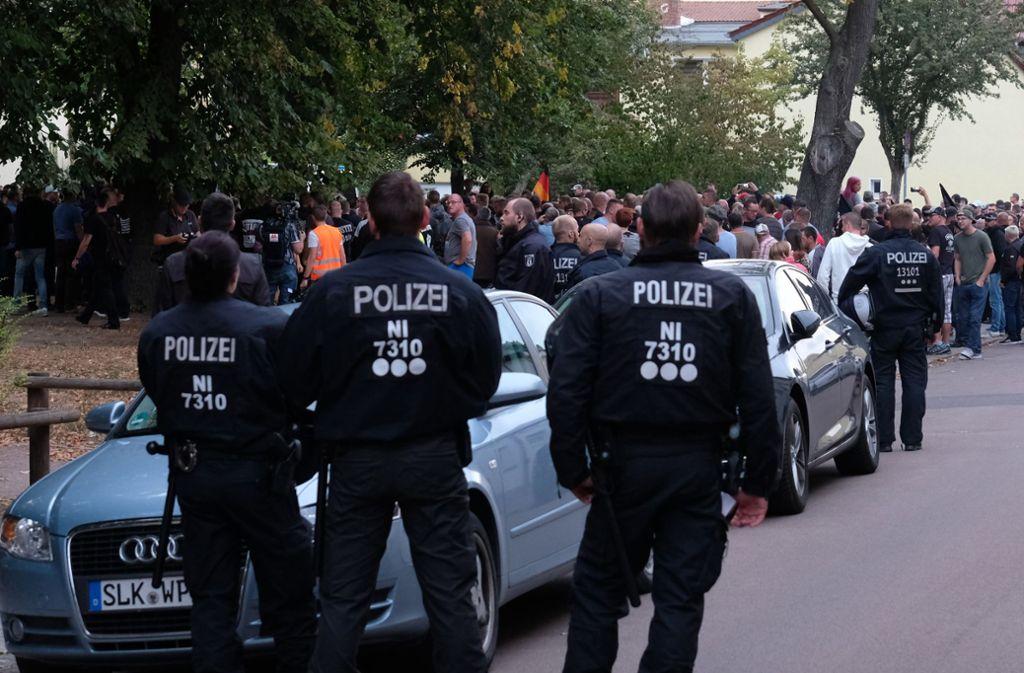 Die Polizei war in Köthen (Sachsen-Anhalt) stark präsent. Foto: dpa-Zentralbild