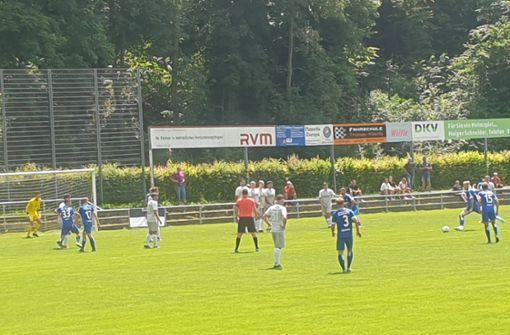 Kevin Dicklhuber trifft zum 1:0-Sieg beim SC Geislingen