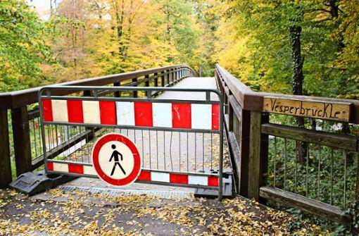 Gesperrte Brücke gibt Rätsel auf