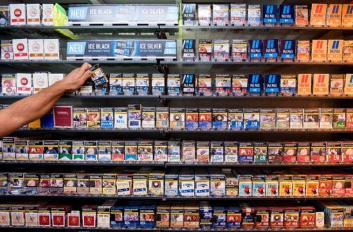 Täter haben es auf Zigaretten und Haarschneider abgesehen