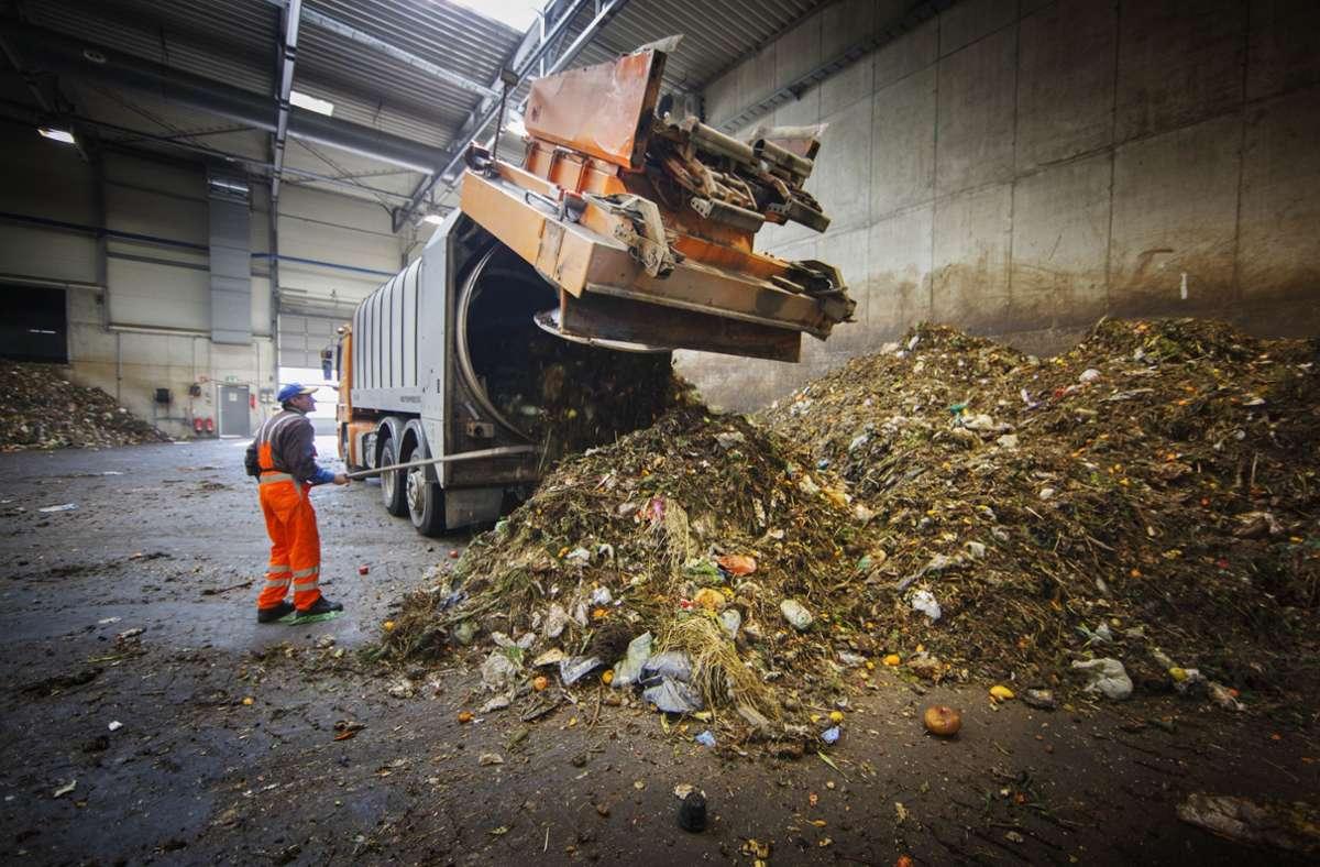 Der Biomüll wird in die Vergärungsanlage gebracht. Foto: Gottfried Stoppel
