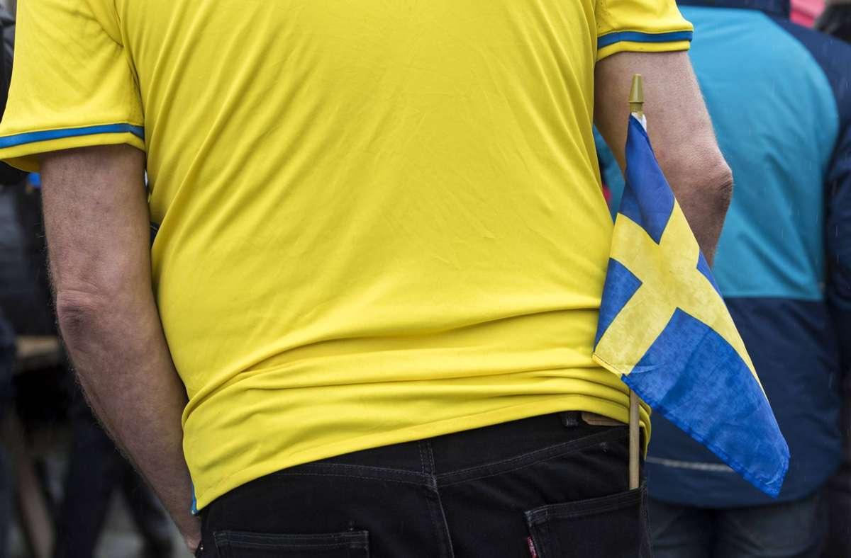 Der Angreifer soll sich bei der öffentlichen Übertragung des Achtelfinal-Spiels zwischen der Ukraine und Schweden geweigert haben, eine Maske zu tragen (Symbolbild). Foto: imago/Seeliger/snapshot-photography/ T.Seeliger