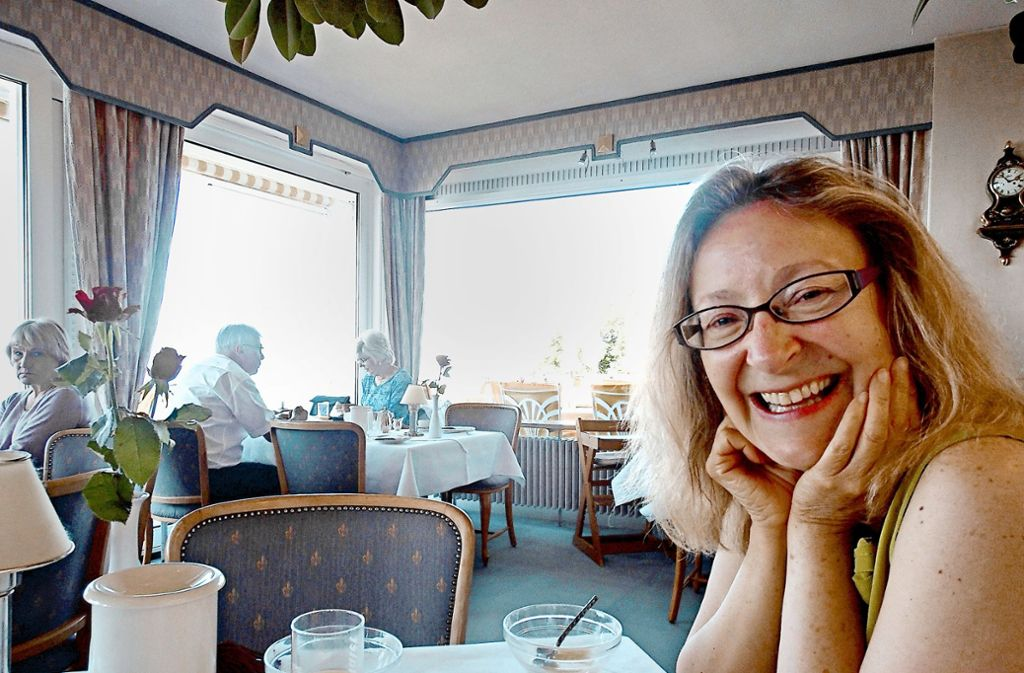 Hazel Vera Britton schätzt ein stilvolles Café  und  ein Stück gute Literatur. Foto: privat