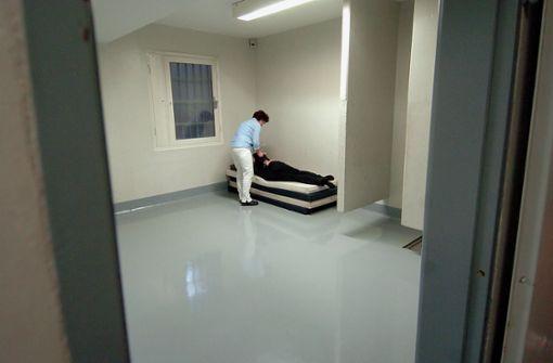 Hirnverletzung verursacht    Tod in der Zelle
