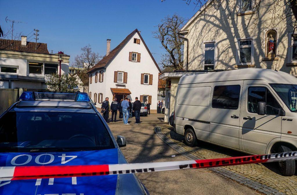 Die Polizei sperrte den Tatort weiträumig ab. Foto: SDMG