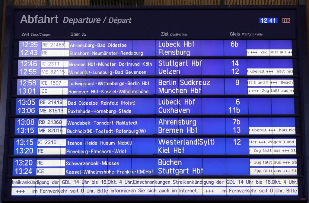 Verspätungen bei der Bahn sind immer häufiger auch auf fehlende oder defekte Fernzüge zurückzuführen. (Symbolbild) Foto: dpa