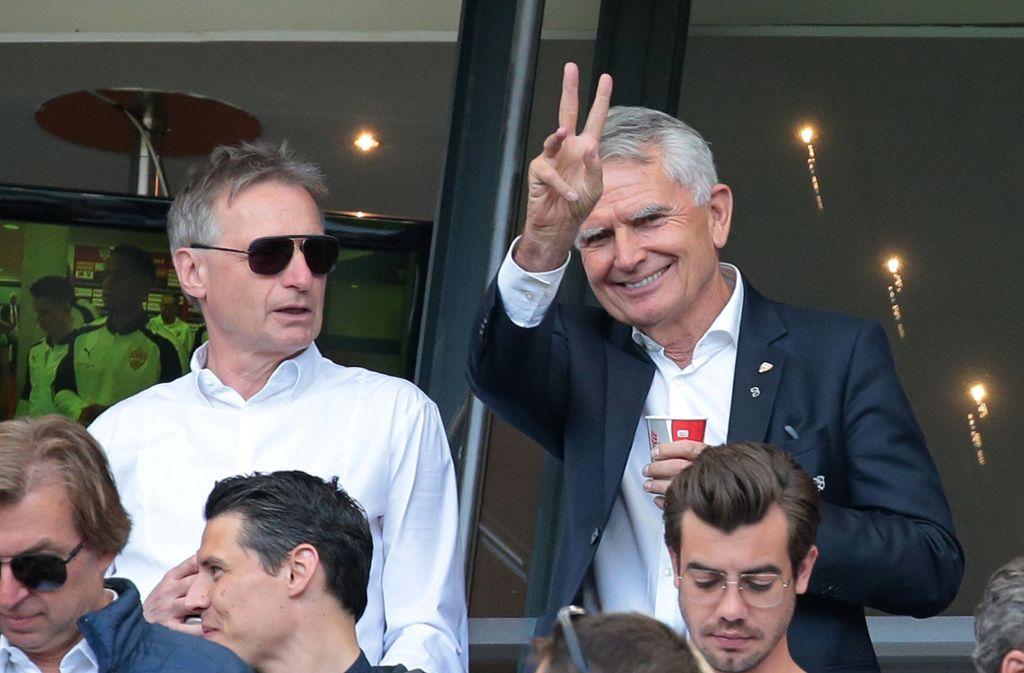 Bester Dinge: VfB-Chef Wolfgang Dietrich (rechts) und Sportvorstand Michael Reschke. Foto: Baumann