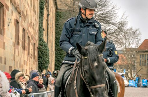 Polizeireiter lehnen Sparpläne ab