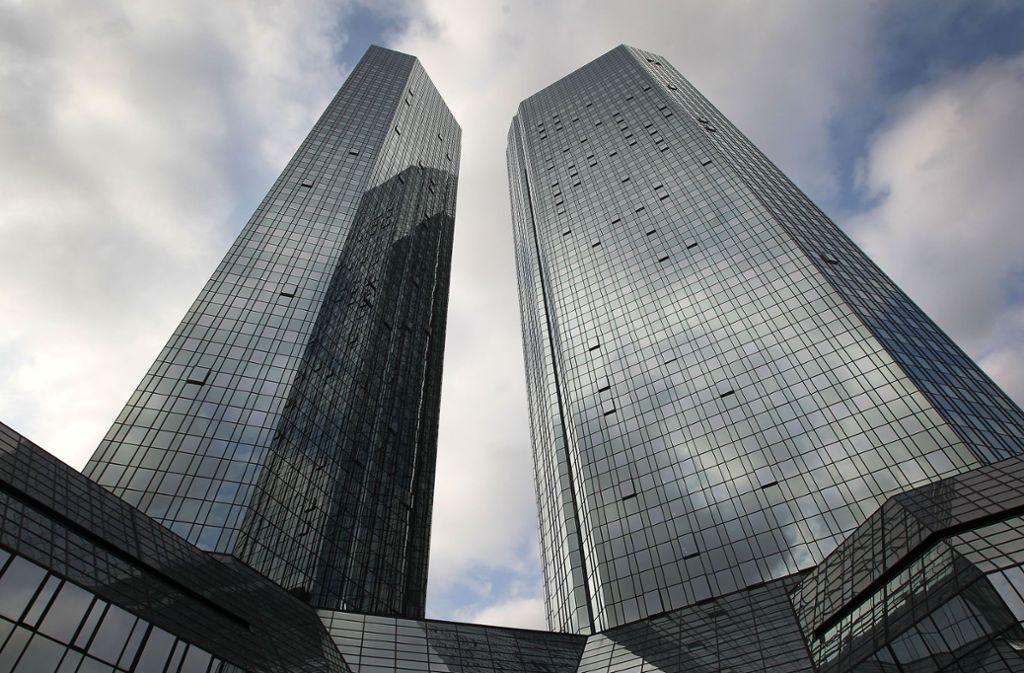 Bei der Deutschen Bank gehen die Spekulationen über eine Fusion weiter. Foto: AFP