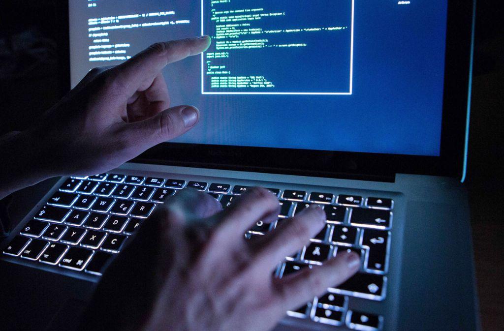 Kriminelle finden leicht Schlupflöcher im Internet. (Symbolbild) Foto: dpa