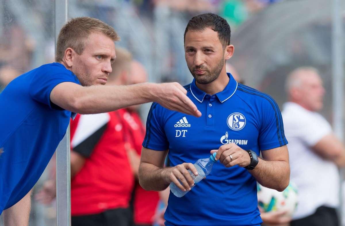 Auf Schalke bildete Peter Perchtold (links) mit Domenico Tedesco ein Gespann. Jetzt soll der 35-Jährige den VfB-Trainer Pellegrino Matarazzo unterstützen. Foto: dpa/Bernd Thissen