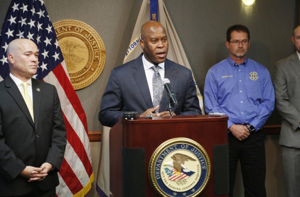 FBI-Agent Eric Jackson spricht über den Einsatz. Foto: AP