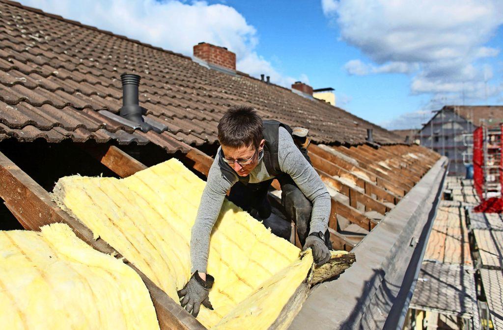 Auch die Wärmedämmung ist ein Kostentreiber,  wenn in Häusern neue Heizungen eingebaut werden. Foto: dpa