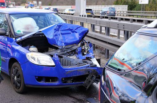 Vier Verletzte bei Unfall auf A8