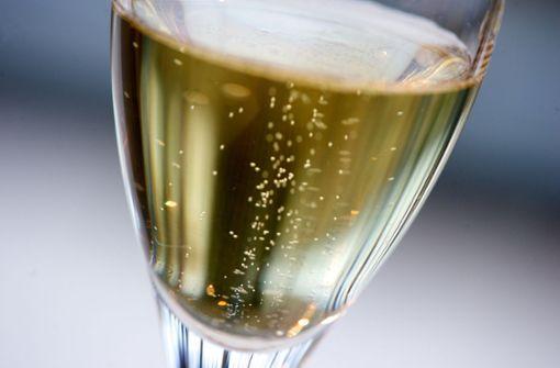 Champagner-Durst nach Haftentlassung führt wieder hinter Gitter
