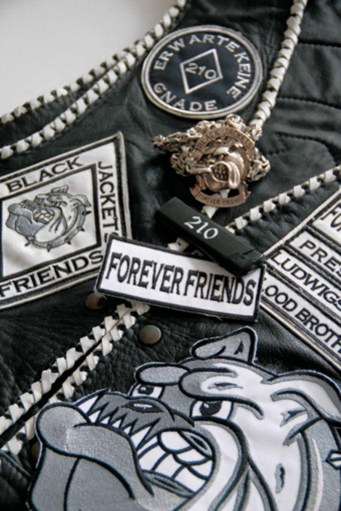 Wer die Freundschaft mit den Black Jackets lösen will, muss dafür zahlen. Foto: factum/Weise