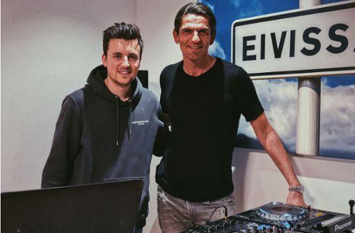 Legt ein Stuttgarter DJ bald mit dem Bundesliga-Schiedsrichter auf?