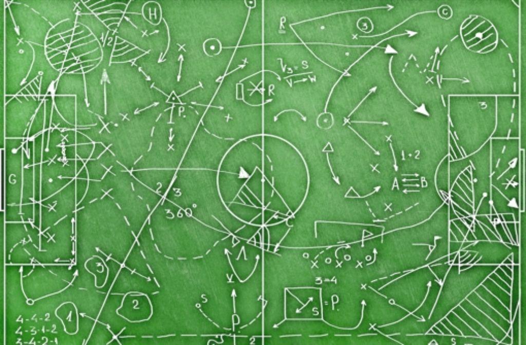 Trainerkunst auf Taktiktafel,  unbekannter Meister, frühe 2000er Jahre Foto: fotolia