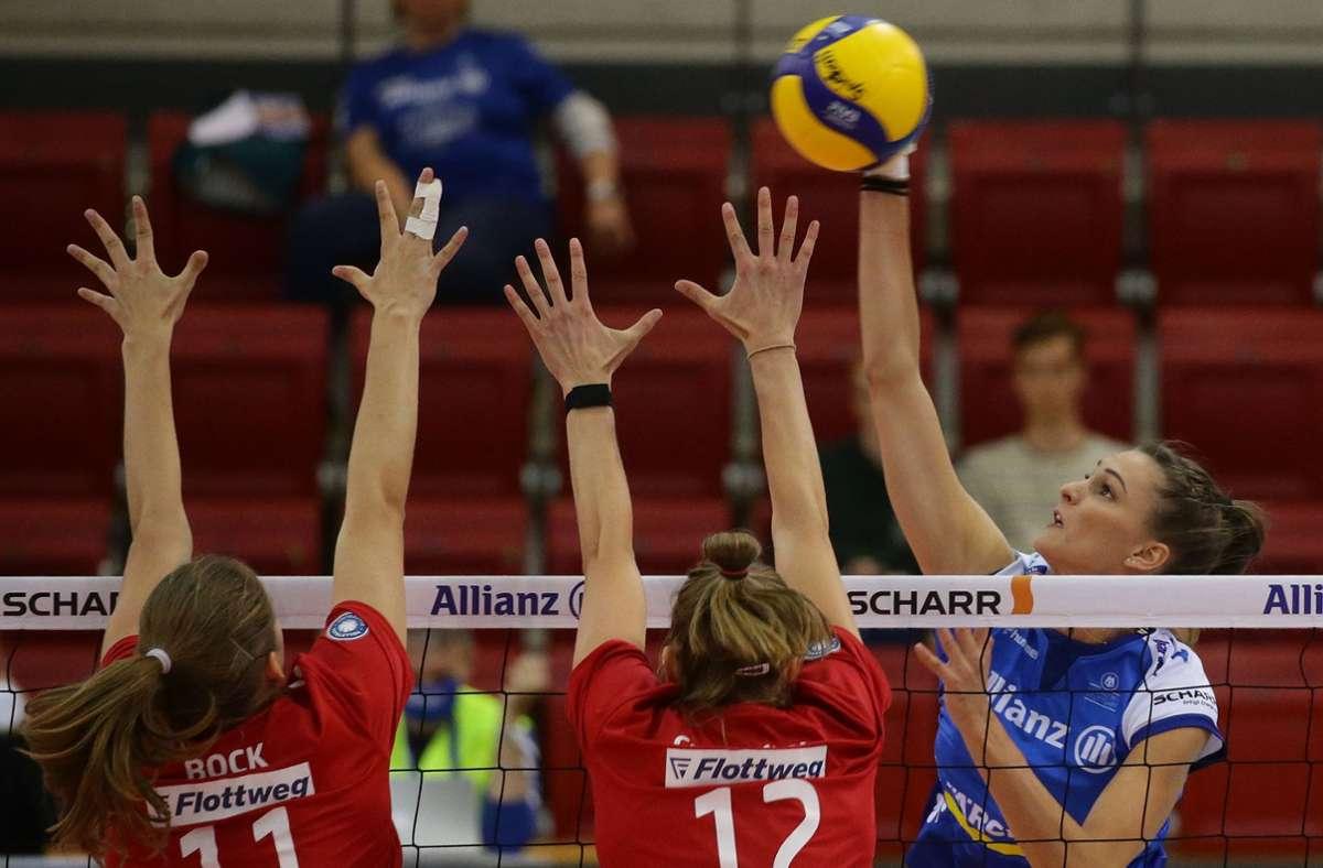 Die Volleyballerinnen des  MTV Stuttgart brauchen Zuschauer – und nicht nur sie. Foto: Baumann/Hansjürgen Britsch