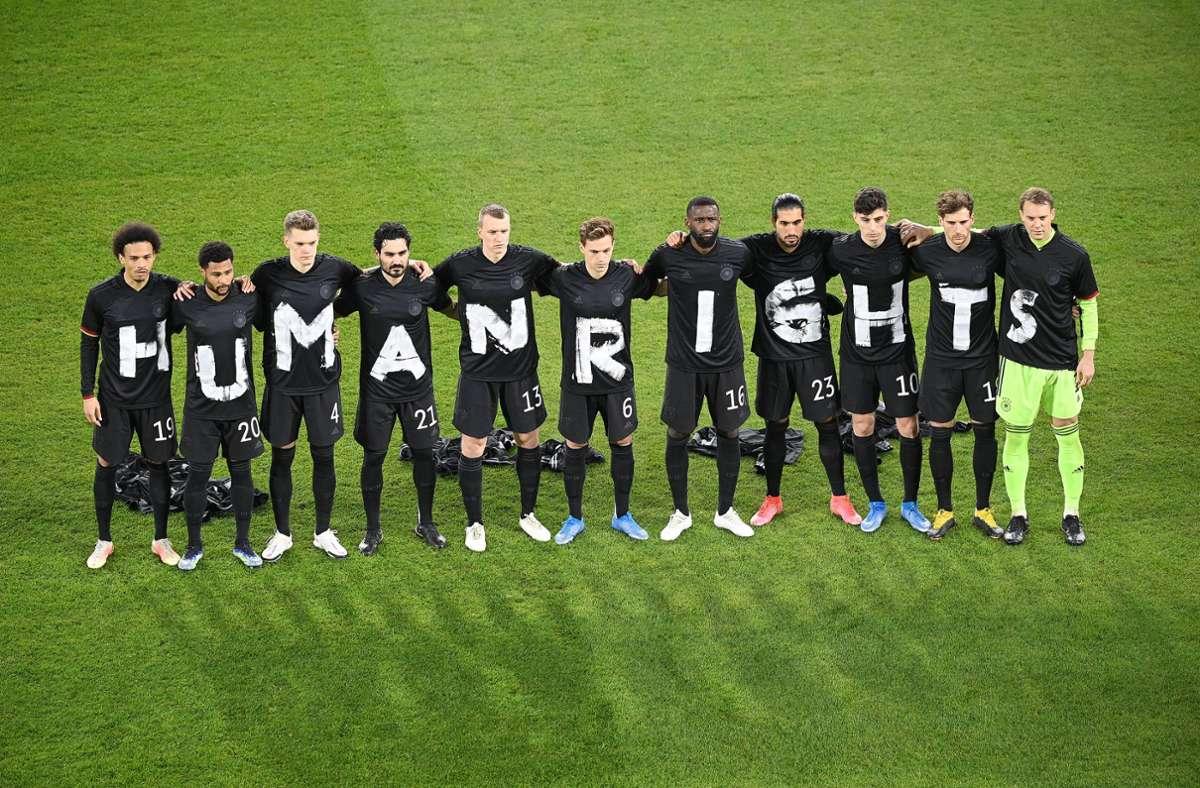 Die DFB-Auswahlspieler hatten sich bereits mit einer Aktion positioniert. Foto: imago images/Ulrich Hufnagel