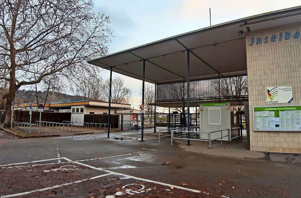 Die Freiluftgastronomie links neben dem Eingang wird Ende 2020 erneuert Foto: Hauptmann