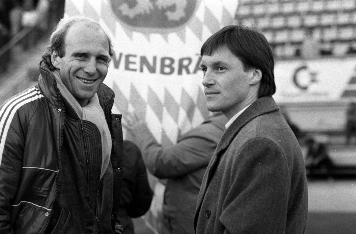 Dieter Hoeneß (links) wechselte einst vom VfB Stuttgart zum FC  Bayern, der Weg des  Mittelfeldregisseurs Asgeir Sigurvinsson führte in die andere Richtung. Foto: imago/Sportfoto Rudel