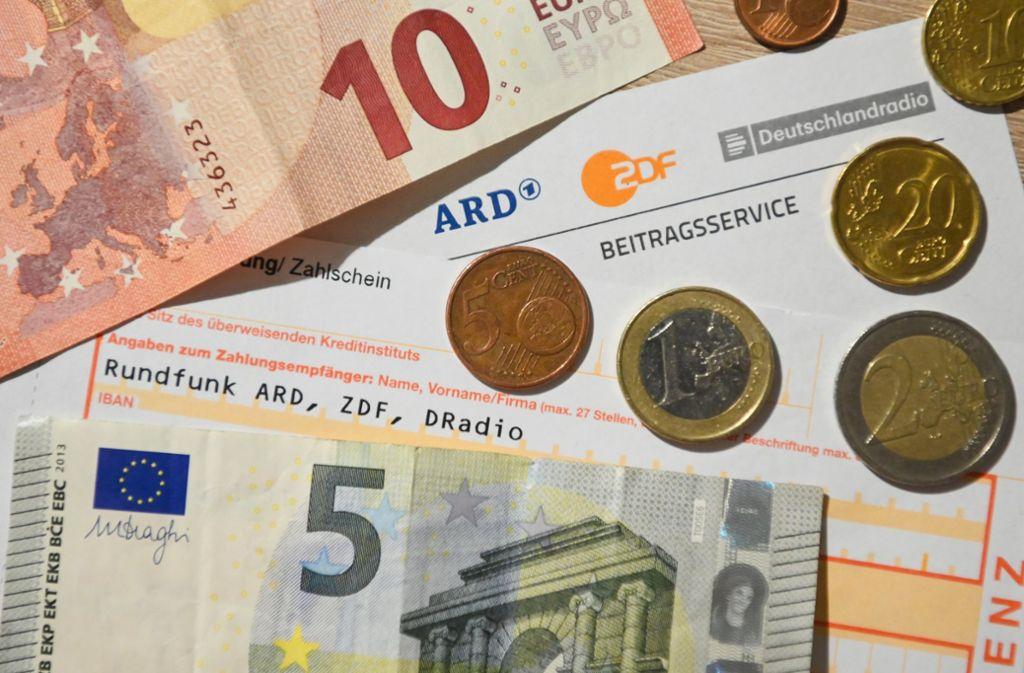 Die FDP will eine Erhöhung des Rundfunkbeitrags verhindern. Foto: dpa/Nicolas Armer