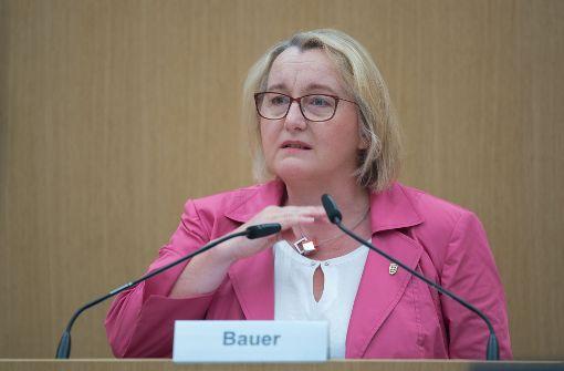 Bauer prüft alle Hochschulen