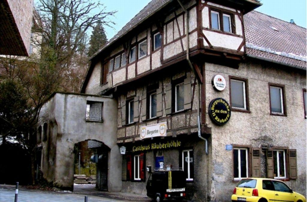 """Die """"Räuberhöhle"""", eine der ältesten Gaststätten Ra Foto: StZ"""