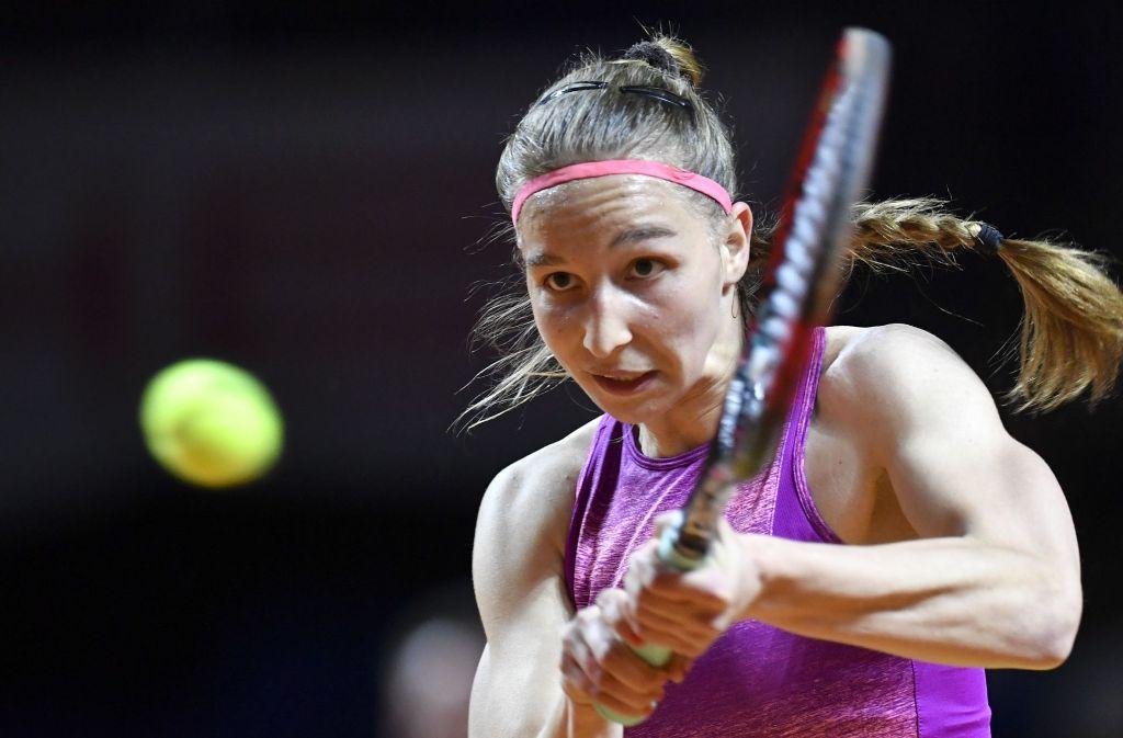 Tamara Korpatsch im Match gegen Carla Suarez Navarro beim Porsche Tennis Grand Prix in Stuttgart. Foto: AFP